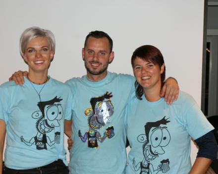 Jochen met zijn hofdames Katrien en Charlien